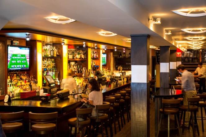 W47-252-Glass-House-Tavern-2-JZ
